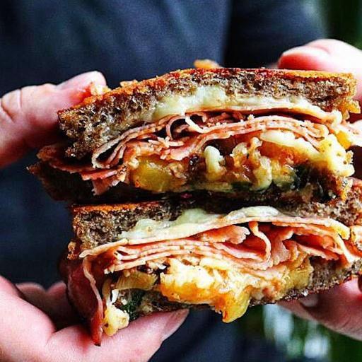 Zoomed in sandwich.jpg